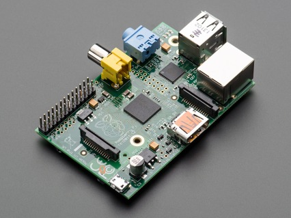 The RPI mini computer, size of a pack of sigarettes